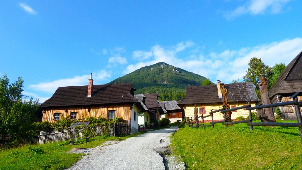Vlkolínec küla mis on säilinud muutumatuna. Vlkolínec - village that has remained unchanged